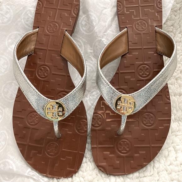 Tory Burch Thora Reverse Metallic Silver Sandal s9